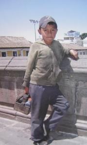 Shoe shine boy, Quito