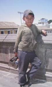 Shoe shine boy, Quito