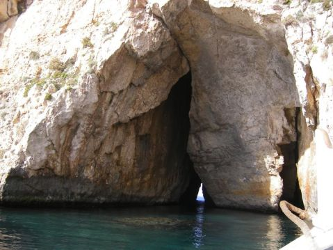 The tunnel from the lake to the sea, Dwejra