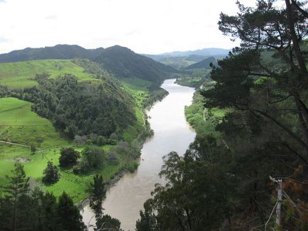 Whanganui River, photo courtesy Felix Engelhardt - wikimedia.org