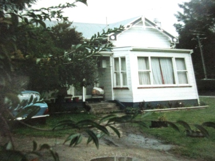 The best example I could find of the said Maori style house in Gisborne. Compare this to the feature photo of a Maori village.