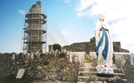Good by to the statues of Mary and ruins over a thousand years old (Bennettsbriged)