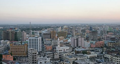 800px-Dar_es_Salaam_before_dusk