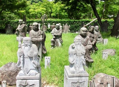Past Hogonin Temple, Arashiyama